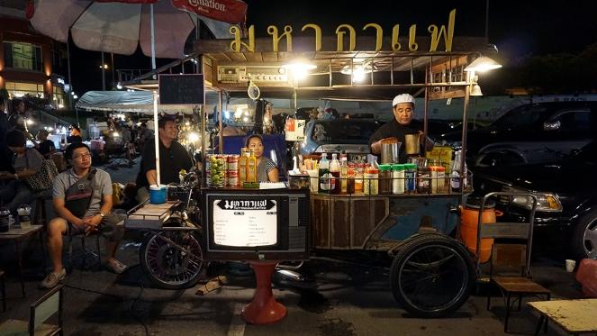 vintage-car-market-the-walk-kaset-nawamin-9-1